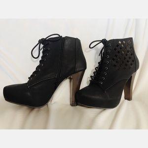 Shoes - Platform heeled booties